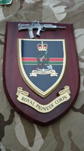 Royal Pioneer Corps Wall Plaque + Pewter SA80